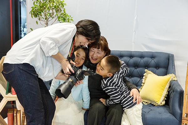 イベントでの家族写真撮影